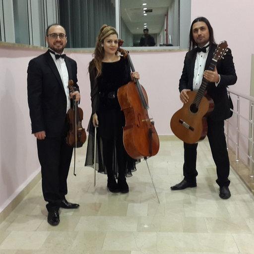 Monalisa Trio
